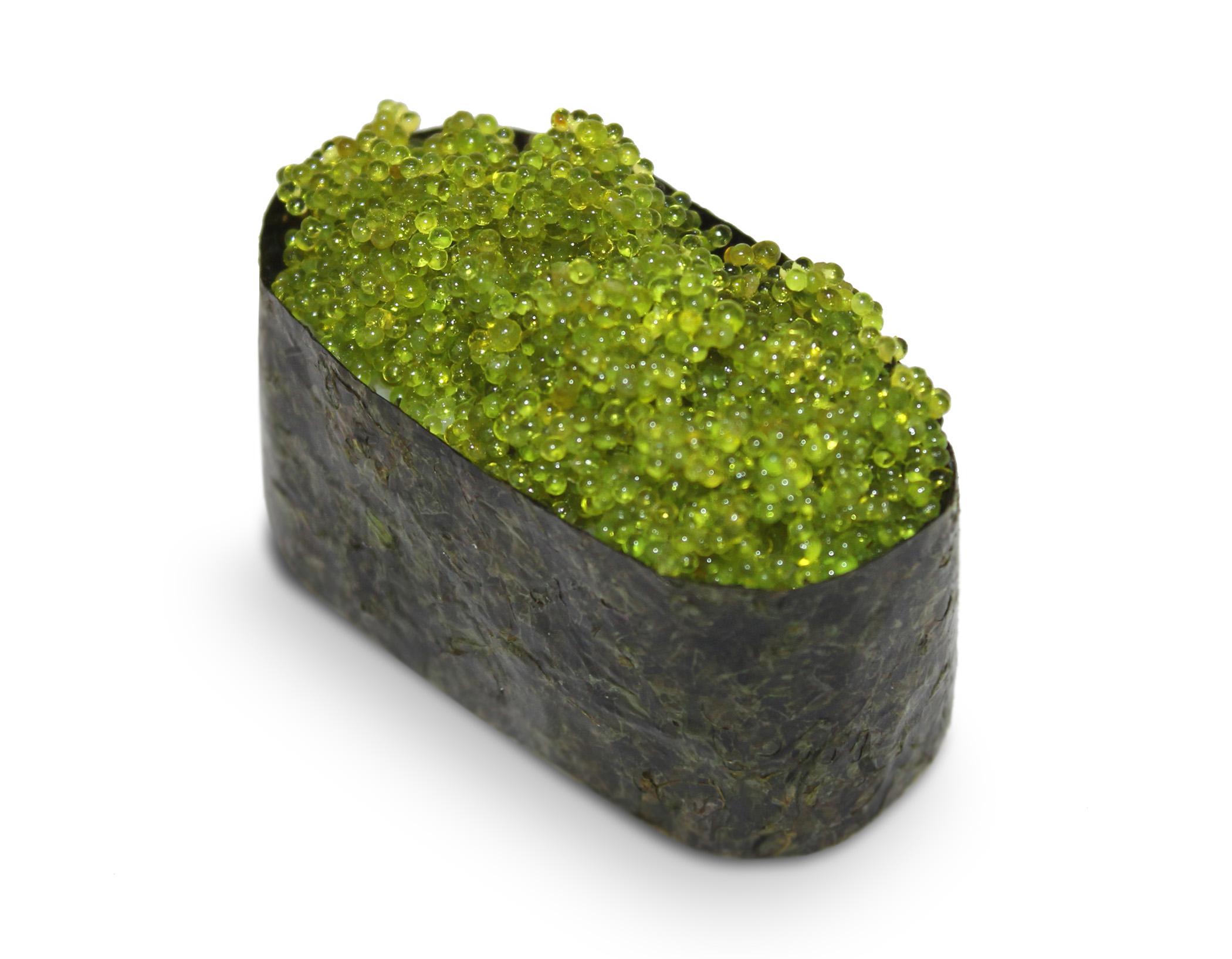 Суши с зеленой икрой Тобико